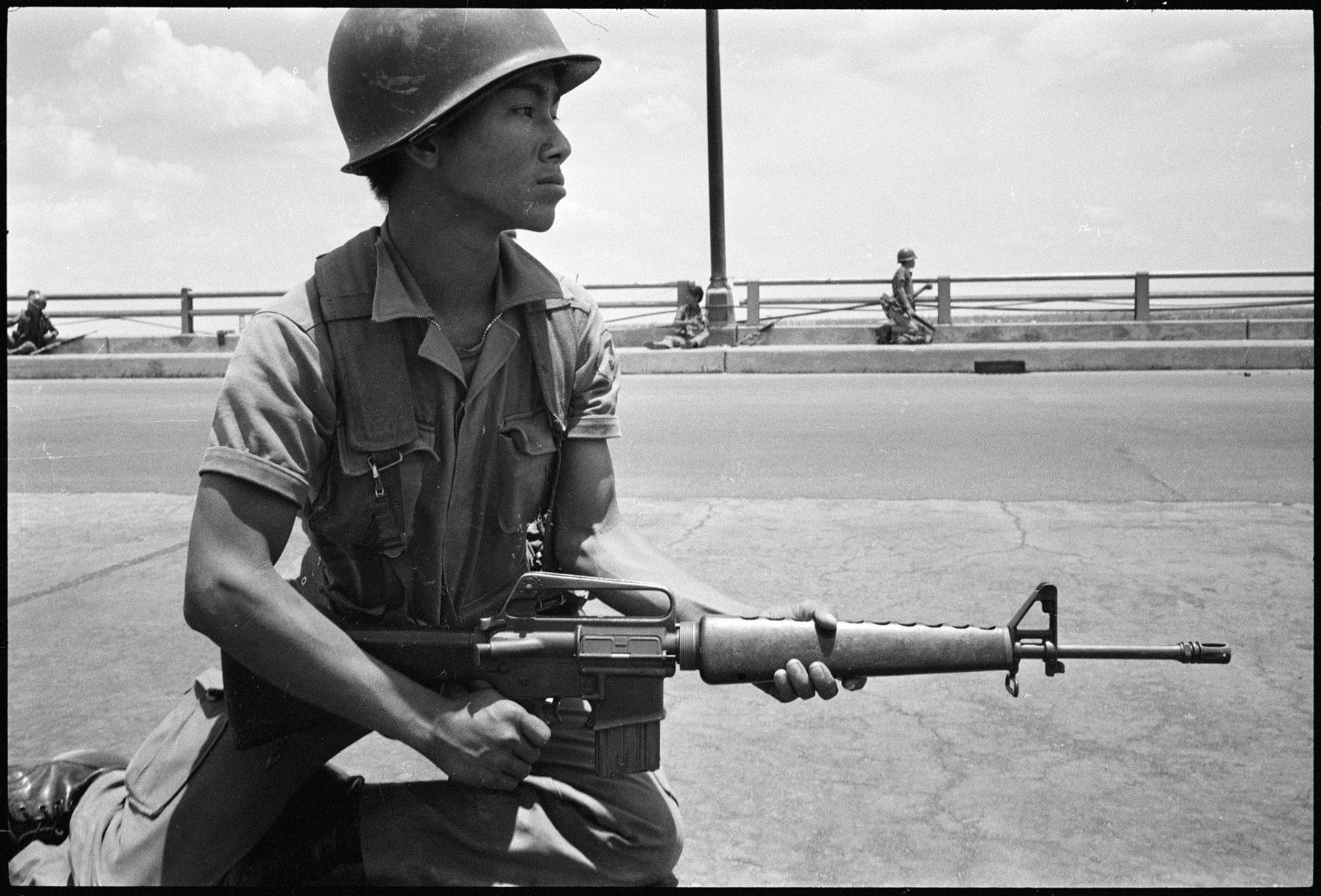 Chute / Libération de Saigon, avril 1975 DCL_1975_005_39A-e1616646154958
