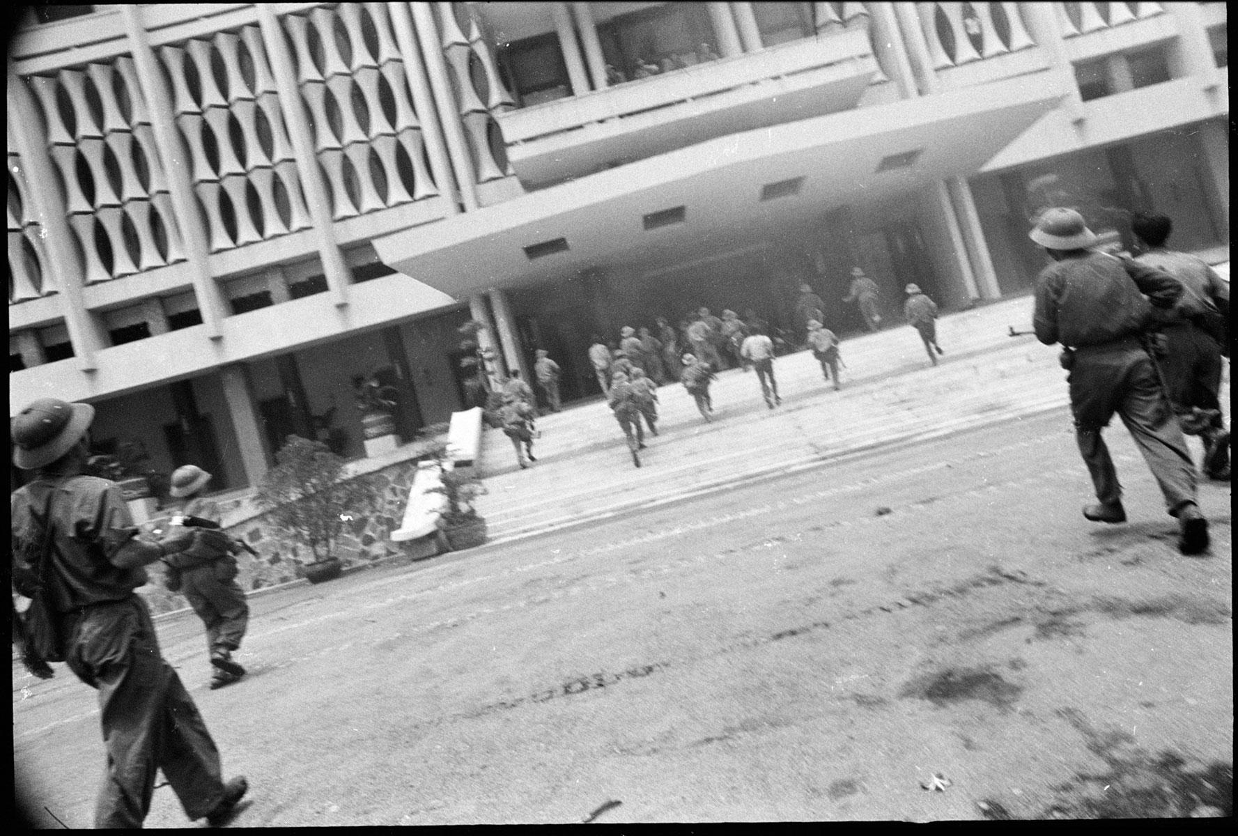 Chute / Libération de Saigon, avril 1975 DCL_VIETNAM1975_005_43